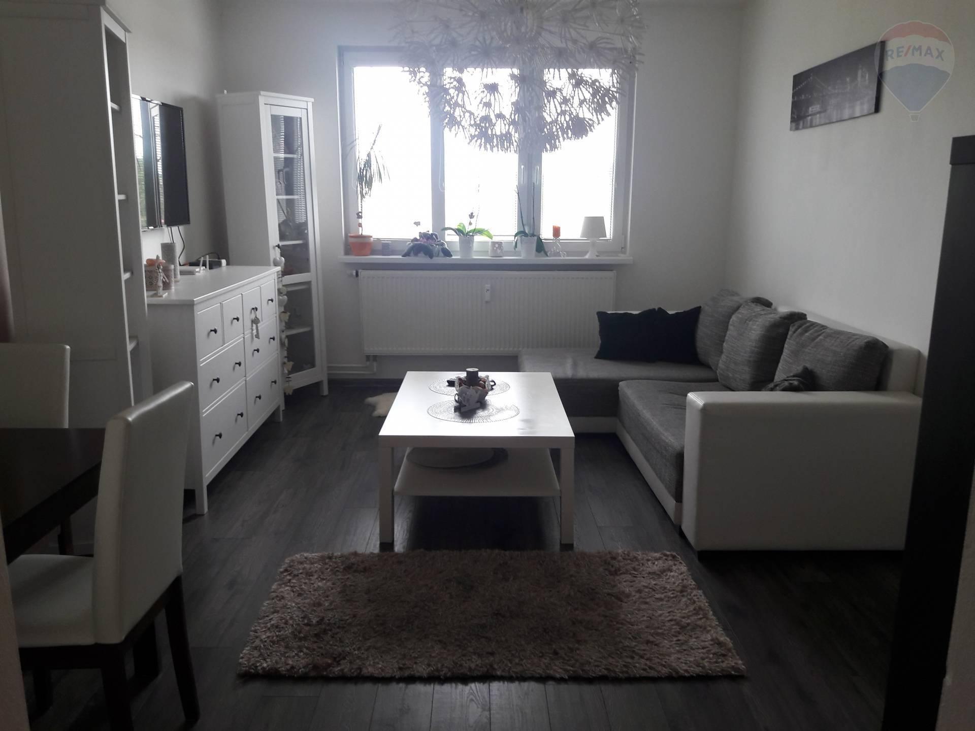 prenájom 3 izbový byt Zlaté Moravce, Duklianska