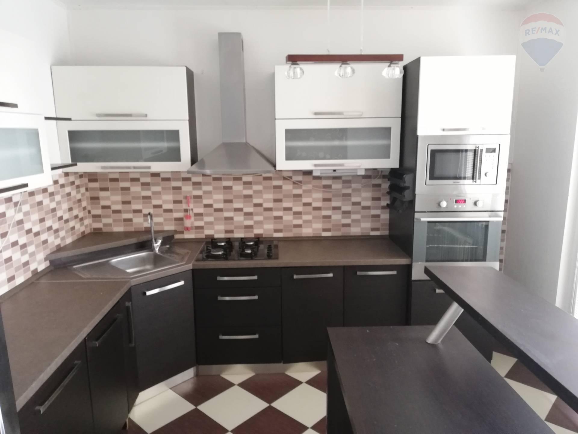 rEZERVOVANE!!! Predaj 3 izb.byt kompletná rekonštrukcia Levice 79 EXKLUZÍVNE m2