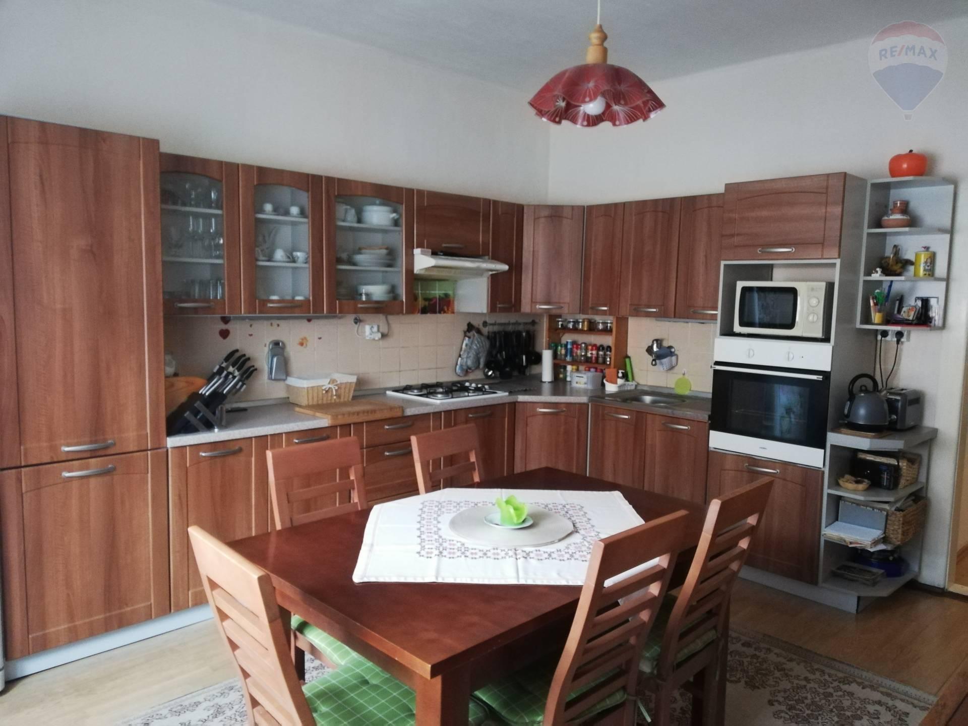 REZERVOVANE!!! Predaj 5 izbový dom Hontianske Nemce - Krupina