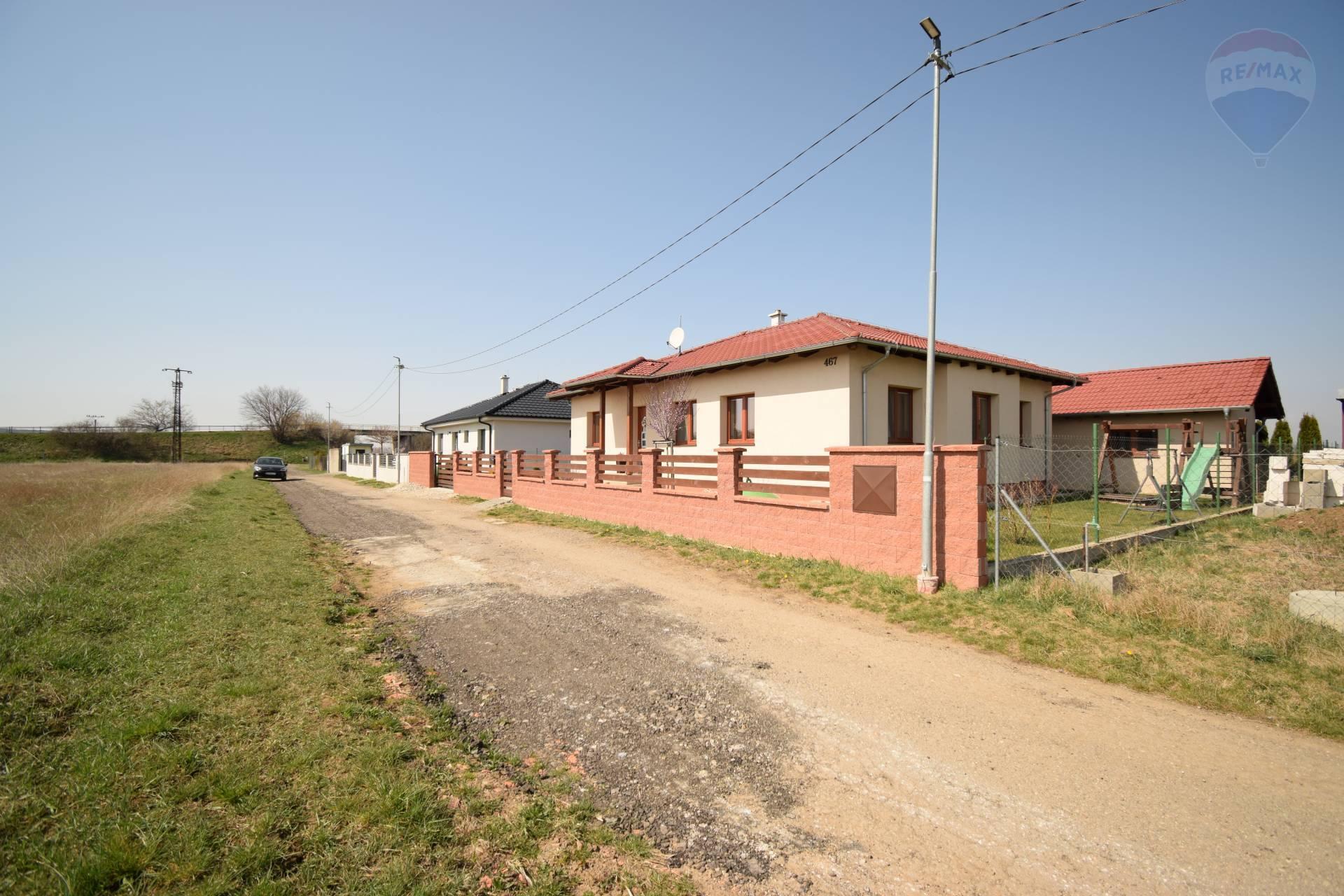 Predaj 5 izbový murovaný dom v obci Čakajovce