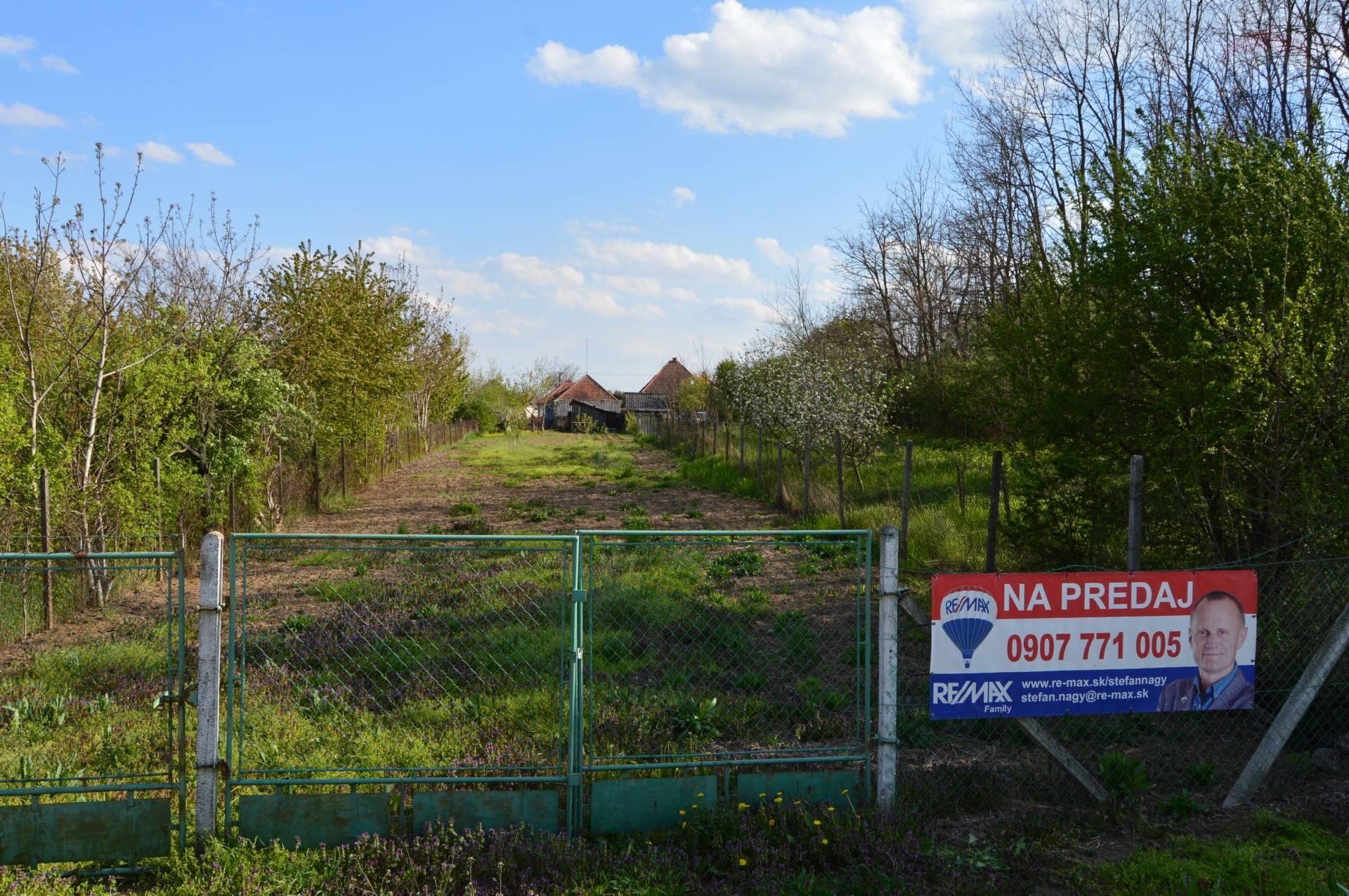 predaj stavebný pozemok Veľké Chyndice